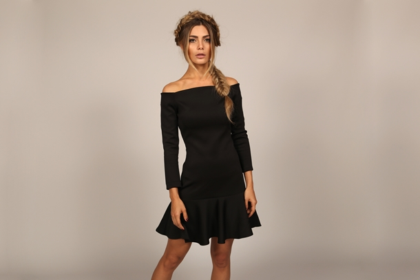 mundo-lolita-news-27-05-vestido-preto-ombro-a-ombro